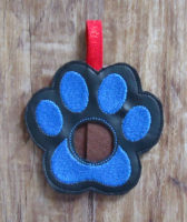 blue paw lip balm holder