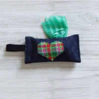 green heart bag holder