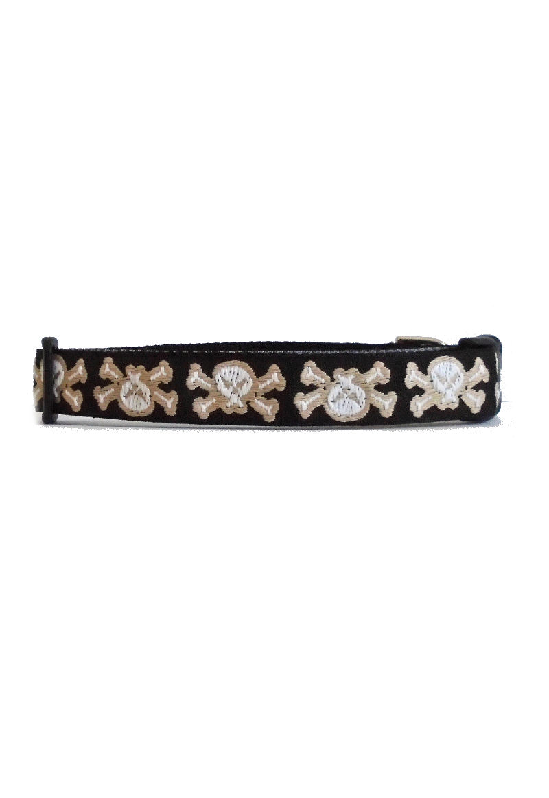 skull cross bones collar