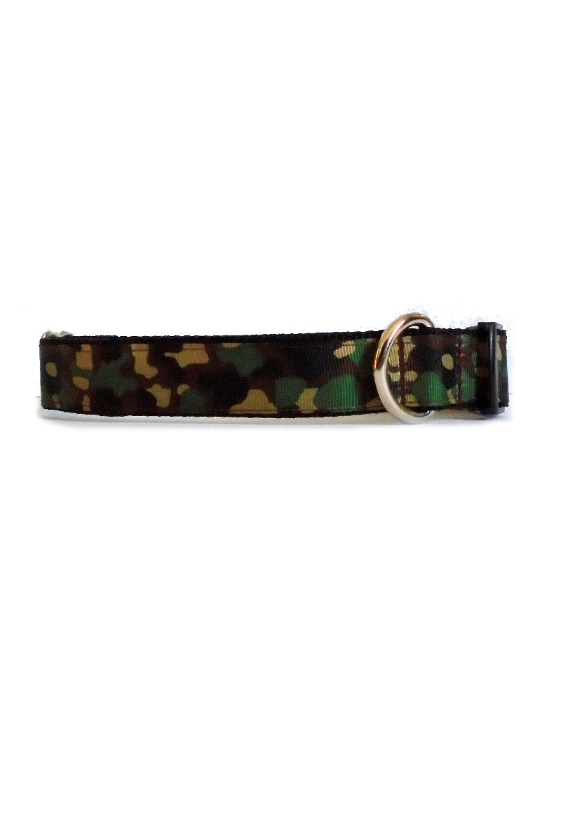 dark green camo collar