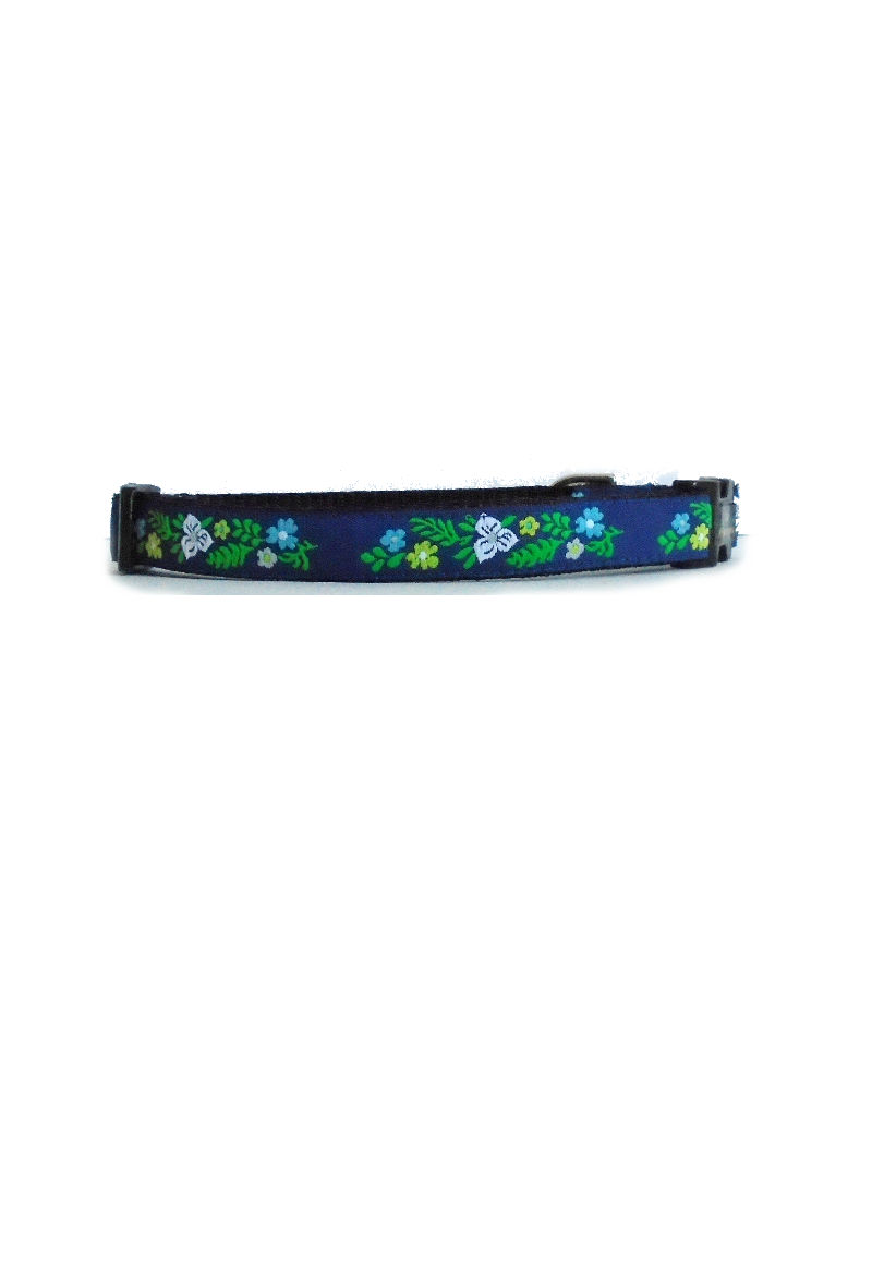 blue flowers dog collar